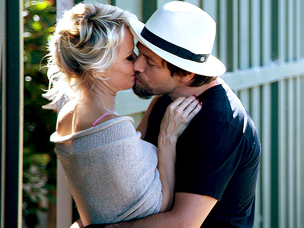 Pamela Anderson and Rick Salomon Kiss One Week After Divorce Filing