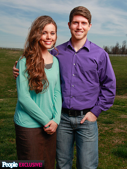 awkward jessa duggar kissing husband insram