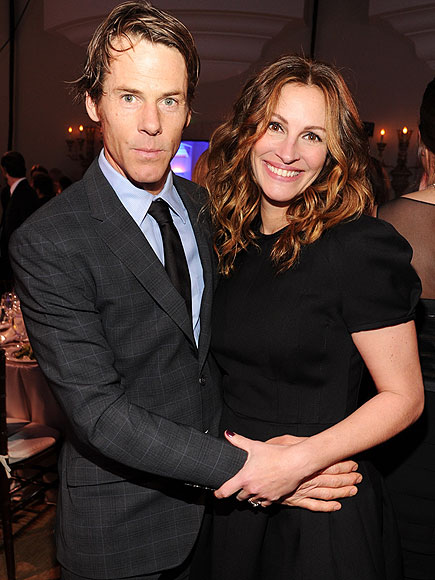 Julia Roberts & Danny Moder Honored by LGBT Group for The Normal Heart