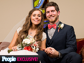 19 Kids and Counting Recap: Ben and Jessa Tie the Knot (and Kiss Behind Closed Doors!)