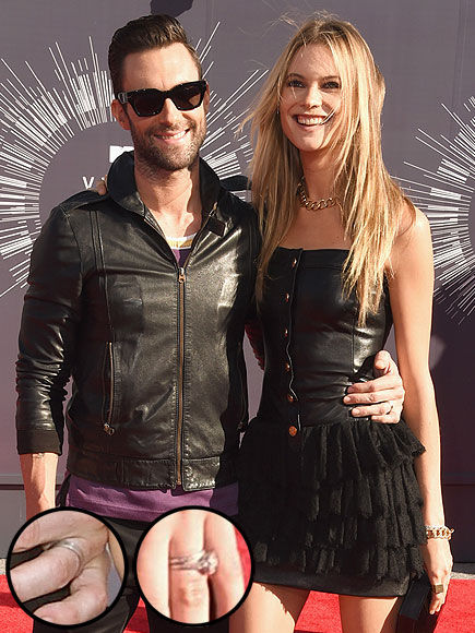 VMAS 2014: Adam Levine and Behati Prinsloo Show Off Their Wedding Rings