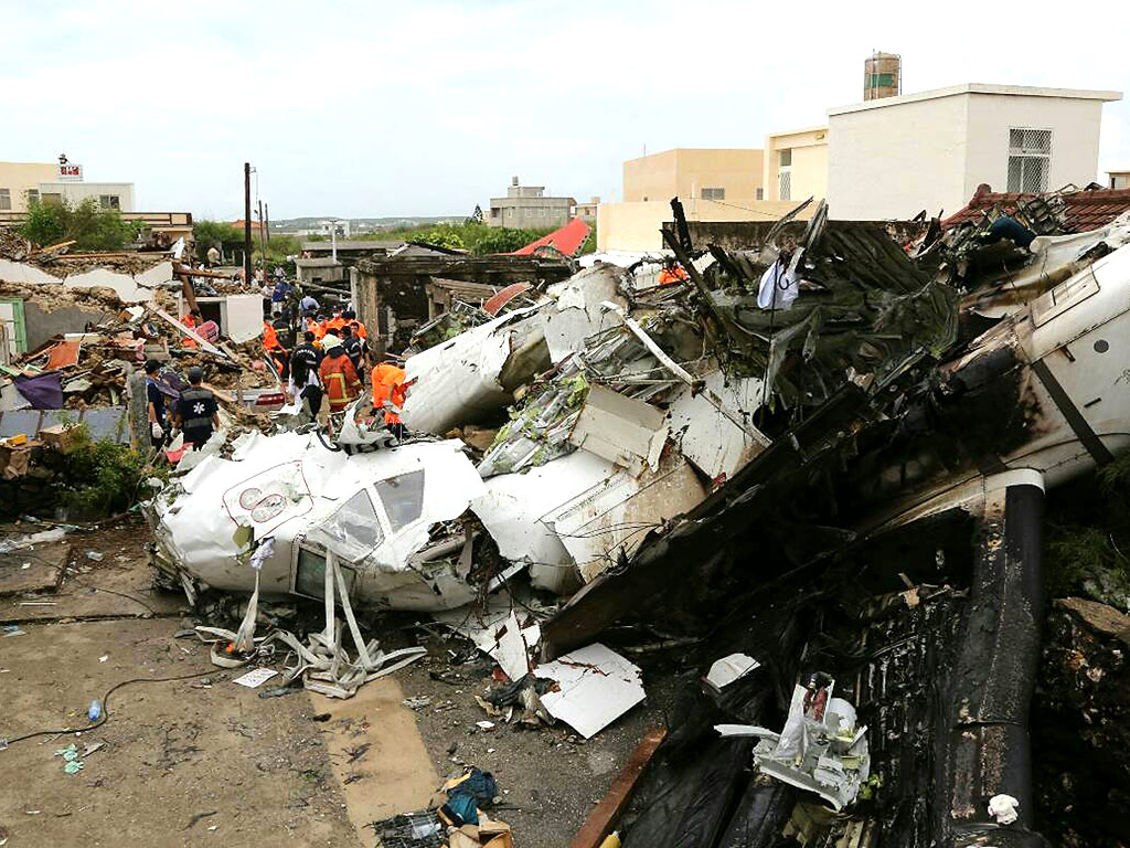 Taiwan Plane Crash Survivor Phones Dad After Crawling from Wreckage