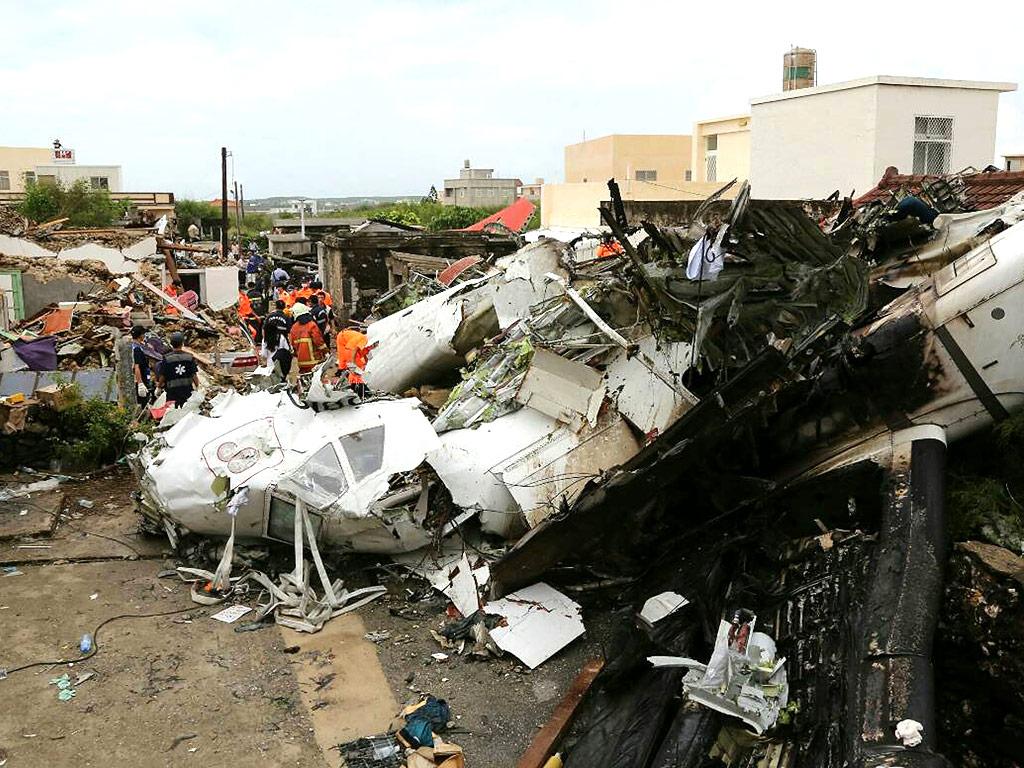 Taiwan Plane Crash Survivor Phones Dad After Crawling from Wreckage