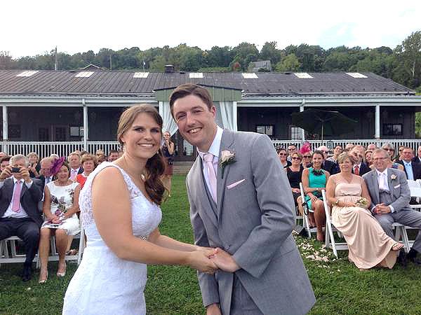 Woman Meets Husband on Twitter