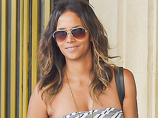 Halle: Shop Right