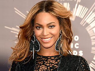 VIDEO: It's Beyoncé's Birthday: Celebrate with the Beyhive on Twitter