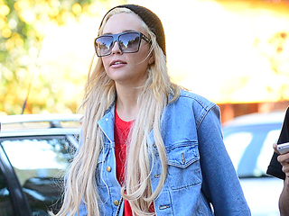 A Christmas Surprise: Guess What Color Amanda Bynes Has Dyed Her Hair