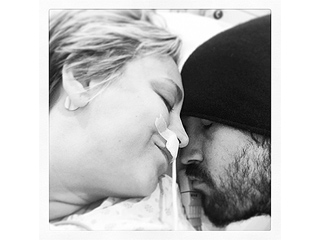 See Kaley Cuoco Recovering from Surgery – with Help from Ryan Sweeting