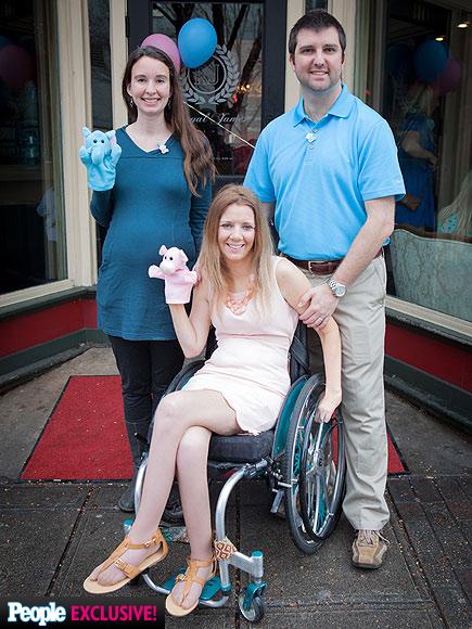 Plastic Carpet Cover >> Paralyzed Bride Rachelle Friedman Chapman on Surrogate Pregnancy : People.com