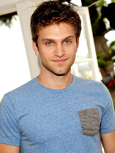 Keegan Allen Pretty Little Liars Pretty Little Liars St...