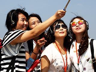 Coachella, Lollapalooza Ban Selfie Sticks