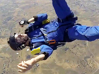 VIDEO: Skydiver Suffers Seizure at 9,000 Feet