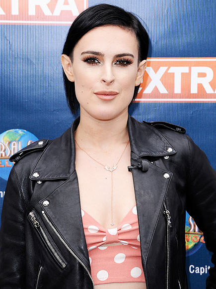 Photographers Respond to Rumer Willis' Claim that They Photoshopped Her Jaw