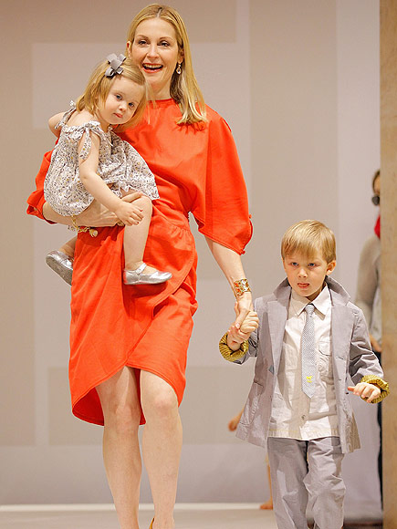'Gossip Girl' star's custody: Kelly Rutherford Sole Custody