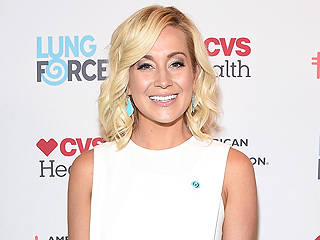 American Idol Alum Kellie Pickler Is Hoping for a Reunion Before the Show Ends