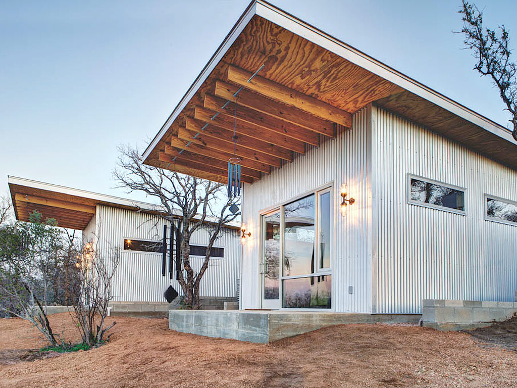Bestie Row Texans Tiny House Compound Goes Viral