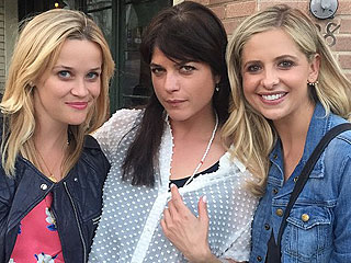 PHOTO: Sarah Michelle Gellar and Selma Blair Recreate Their Cruel Intentions Kiss