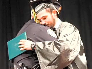 Cop Attends Texas Teen's Graduation After Breaking News of Parents' Death
