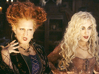 Hocus Pocus Witches to Join Other Disney Villains Onstage
