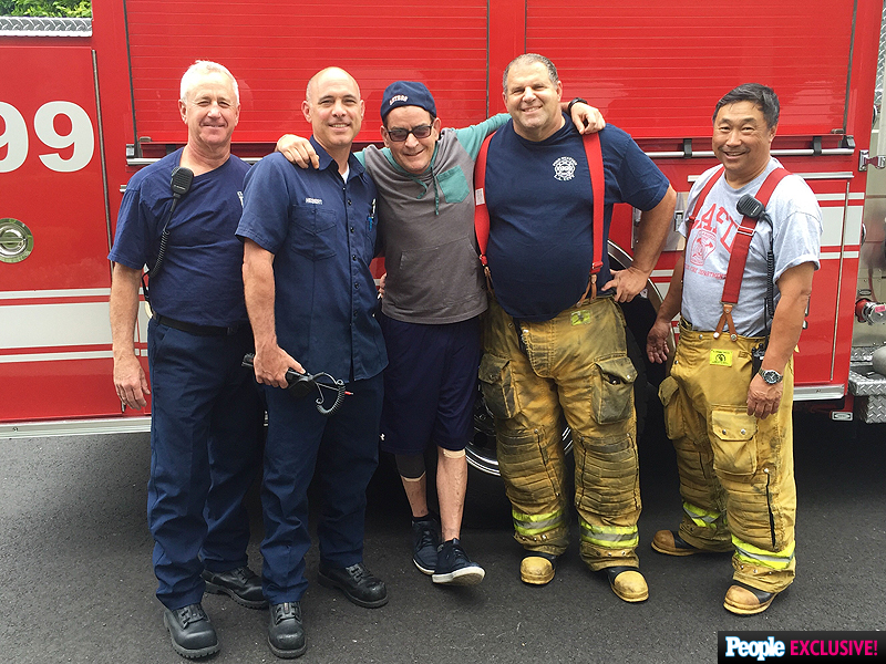Charlie Sheen Food Poisoning: See the Star Schmooze with Paramedics