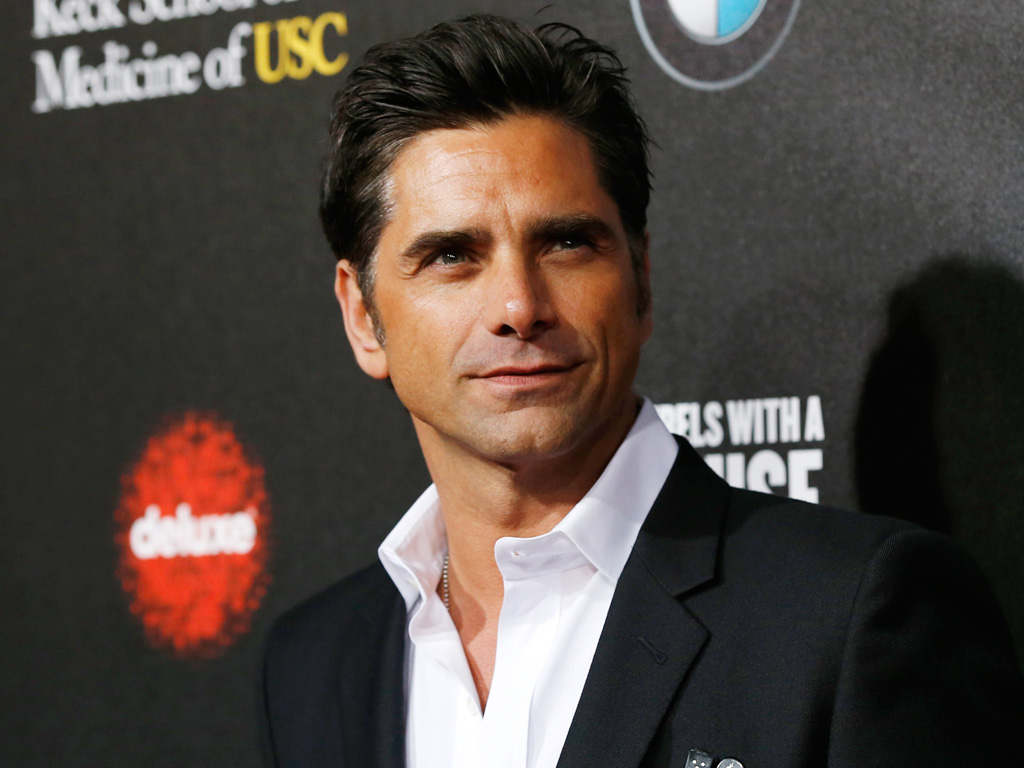 John Stamos Talks to Howard Stern About Rehab, Ambien Use