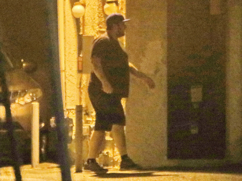 Rob Kardashian Spotted at In-N-Out Burger, Is Still Sad