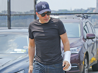 Jimmy Fallon Steps Out In Cast After Hand Injury