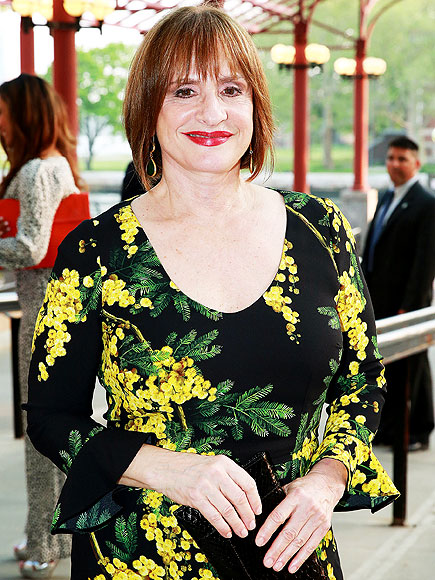 Patti LuPone Takes Cell Phone from Rude Audience Member ...