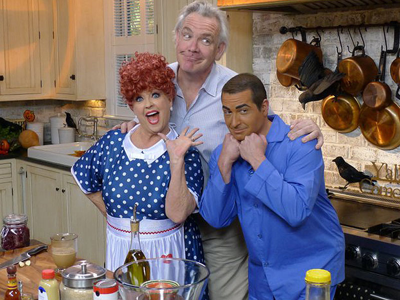 Paula Deen Fires Social Media Manager Amid Brownface Tweet Controversy