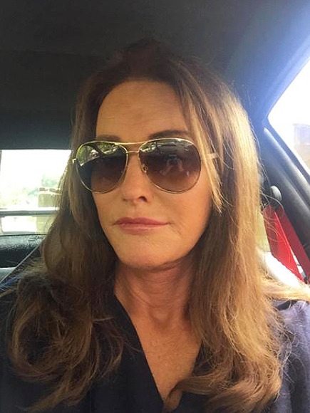 Caitlyn Jenner Posts First Selfie in Honor of Teen Choice Awards