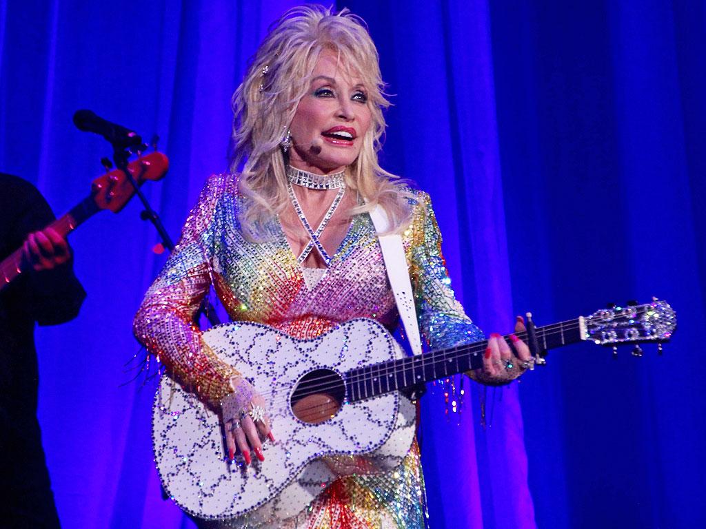 Dolly Parton S Jolene To Become Nbc Tv Movie People Com