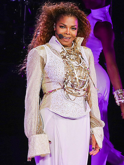 Fans Enraged at Janet Jackson After Singer Postpones Tour