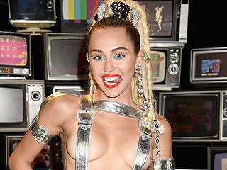 MTV Won't Be Fined For Miley Cyrus' Nip Slip, Marijuana Antics