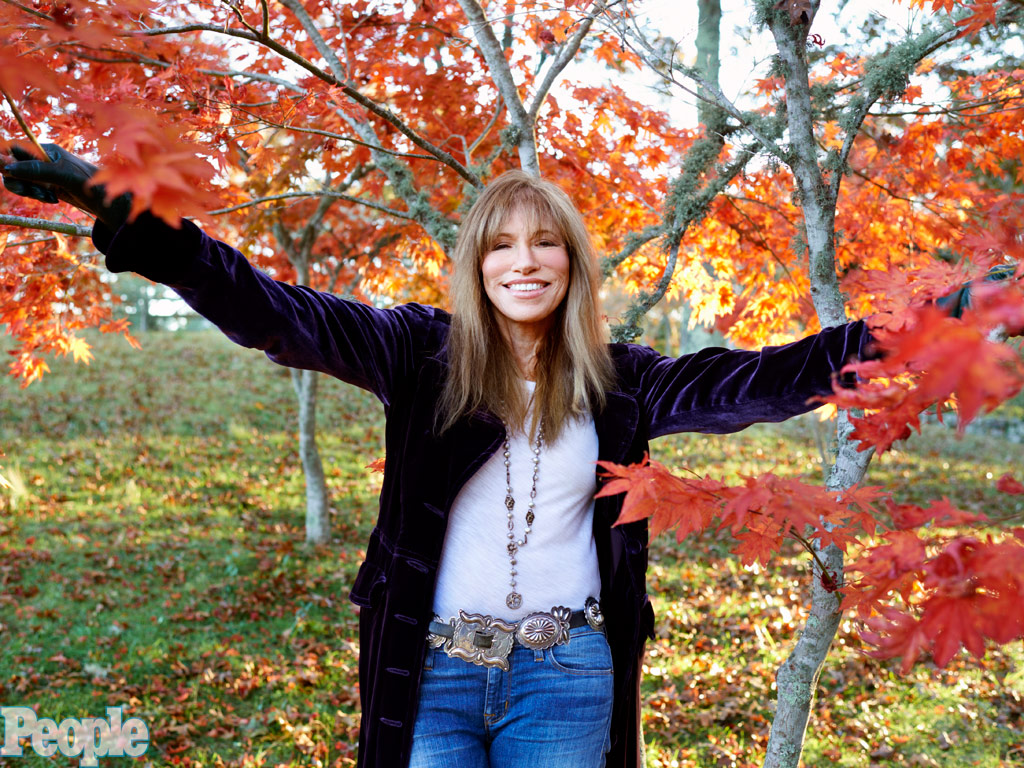 Carly Simon Encourages Her Fans To Share What They Re