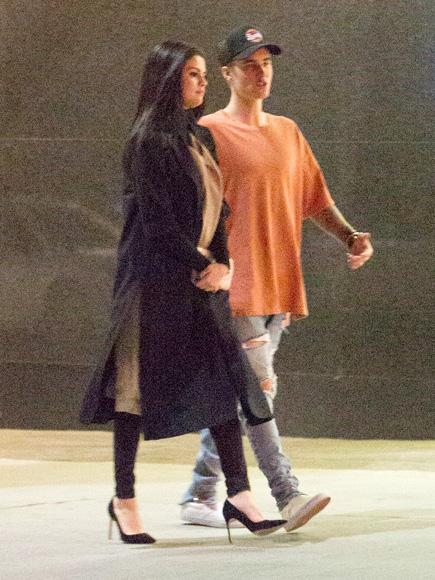 Selena Gomez Met Up with Justin Bieber Before Hotel Bar Serenade