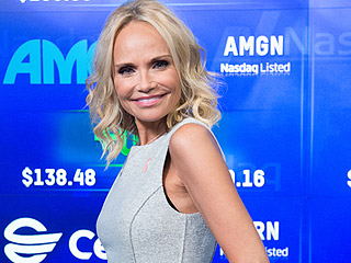 VIDEO: Kristin Chenoweth Sings Wicked's Hit 'For Good' with High School Student on Broadway at the White House