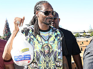 Snoop Dogg Hands Out Turkeys to the Needy in Inglewood: Everyone Should Have a 'Nice Meal for Thanksgiving'