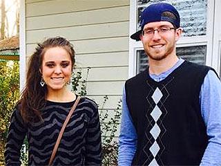Jessa (Duggar) Seewald Shares a Post-Thanksgiving Family Snap