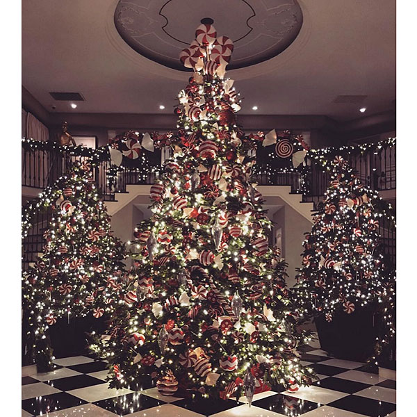 Kim Kardashian West Shows Off Kris Jenner's Insane Christmas Decorations