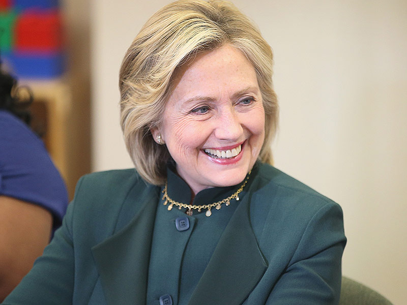 http://img2-1.timeinc.net/people/i/2015/pets/news/150601/hillary-clinton-01-800.jpg