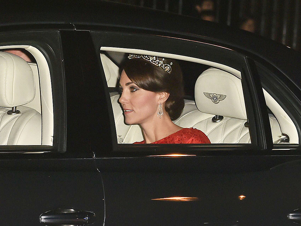 Kate see her regal look as she attends her first ever state banquet