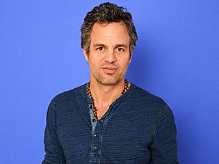 Mark Ruffalo Wins the SAG Award for Outstanding Performance by a Male Actor in a Television Movie or Miniseries