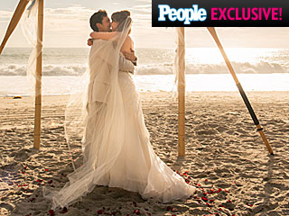 Photos (and Details!) from CSI Star Melinda Clarke's Romantic Seaside Wedding