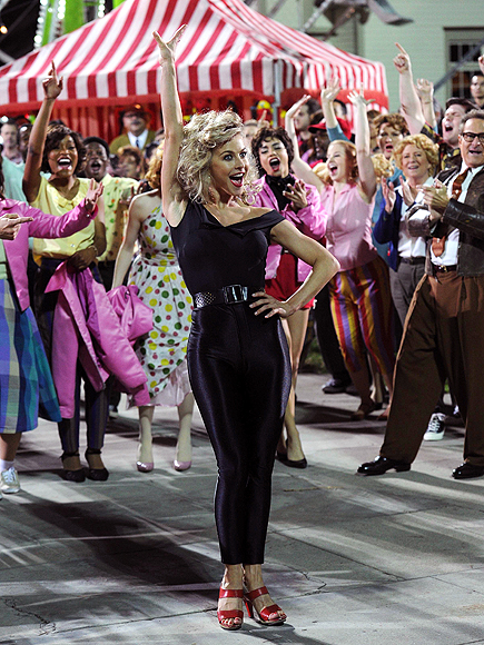 Grease: Live 2016 GIFs