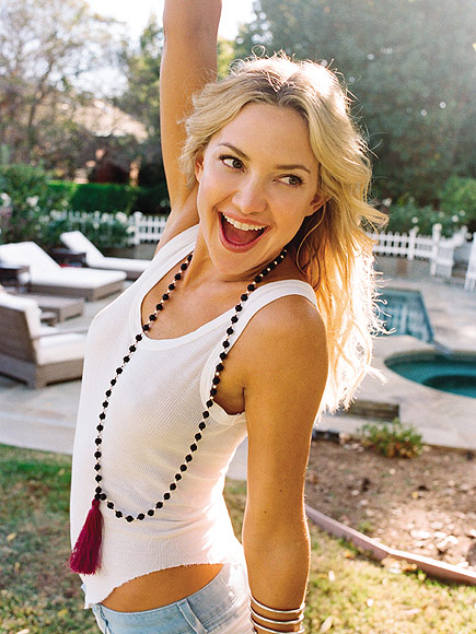 kate hudson i m very much enjoying being single