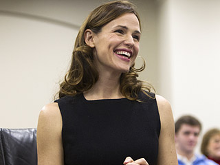 Jennifer Garner Asks Kentucky Lawmakers to Protect Save the Children's Literacy Programs