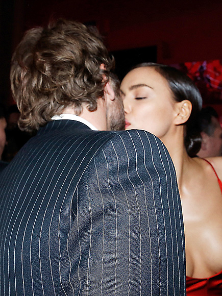 Bradley Cooper and Irina Shayk Share a Romantic Kiss During Night Out in Paris