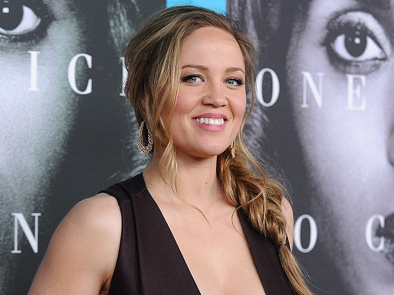 Erika Christensen Reveals How Her Real-Life Confirmation Inspiration Helped Her Become Kerry Washington's (Onscreen) Best Friend