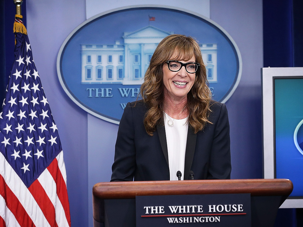Allison Janney Plays CJ Cregg at White House Press Briefing