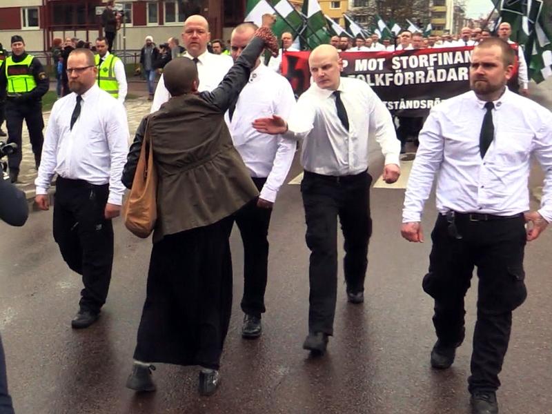 Swedish Woman Protests Neo-Nazis: Tess Asplund Symbol of Heroism